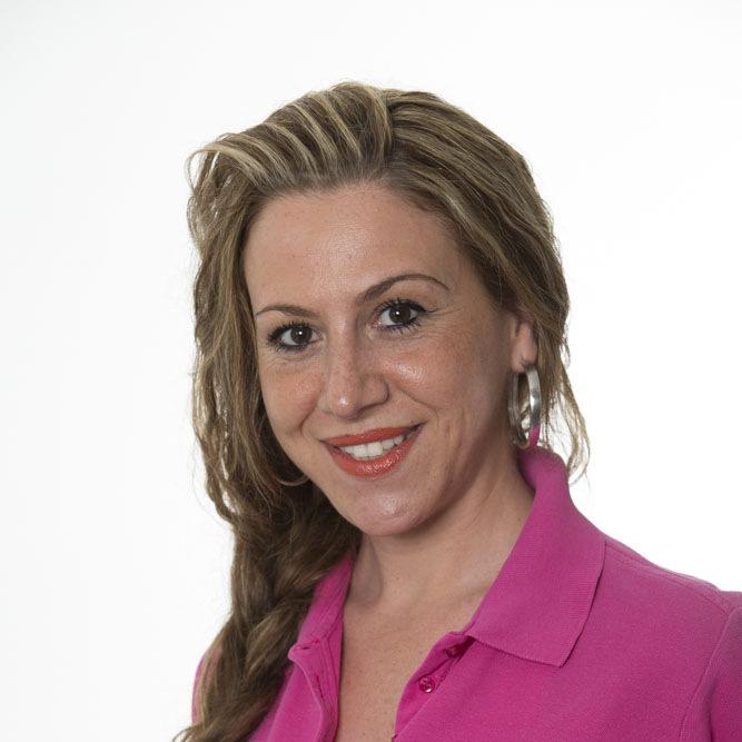 Claudia Milazzo Aufgaben:Assistenz, Prophylaxe